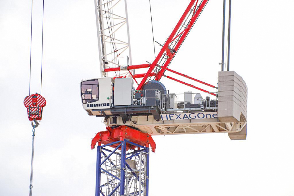 From September Hexagone Services S.A.S will continue the Liebherr rental business for tower cranes in Paris and Northern France.