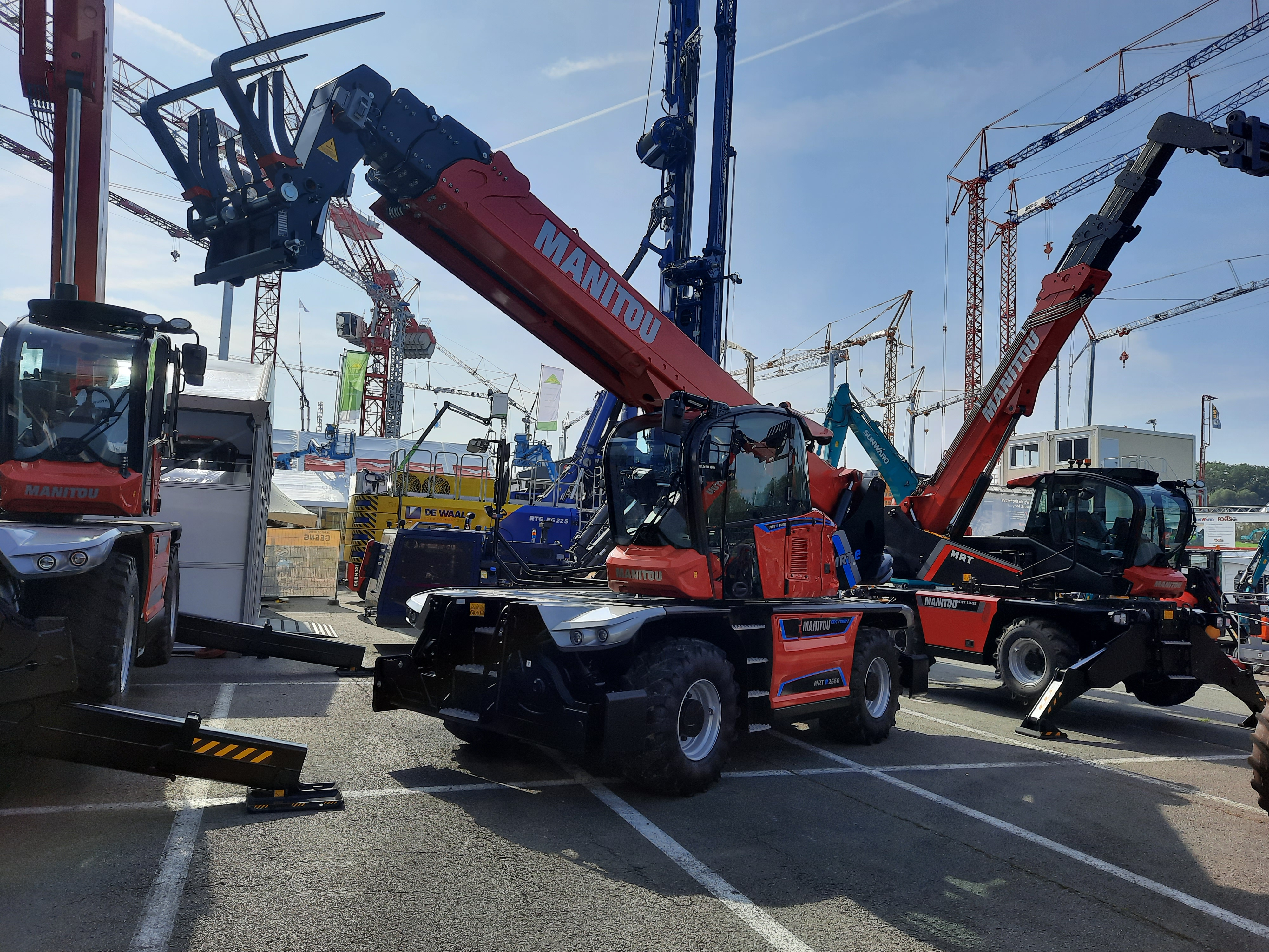 The new 100% electric MRT 2260 model on display at Matexpo!