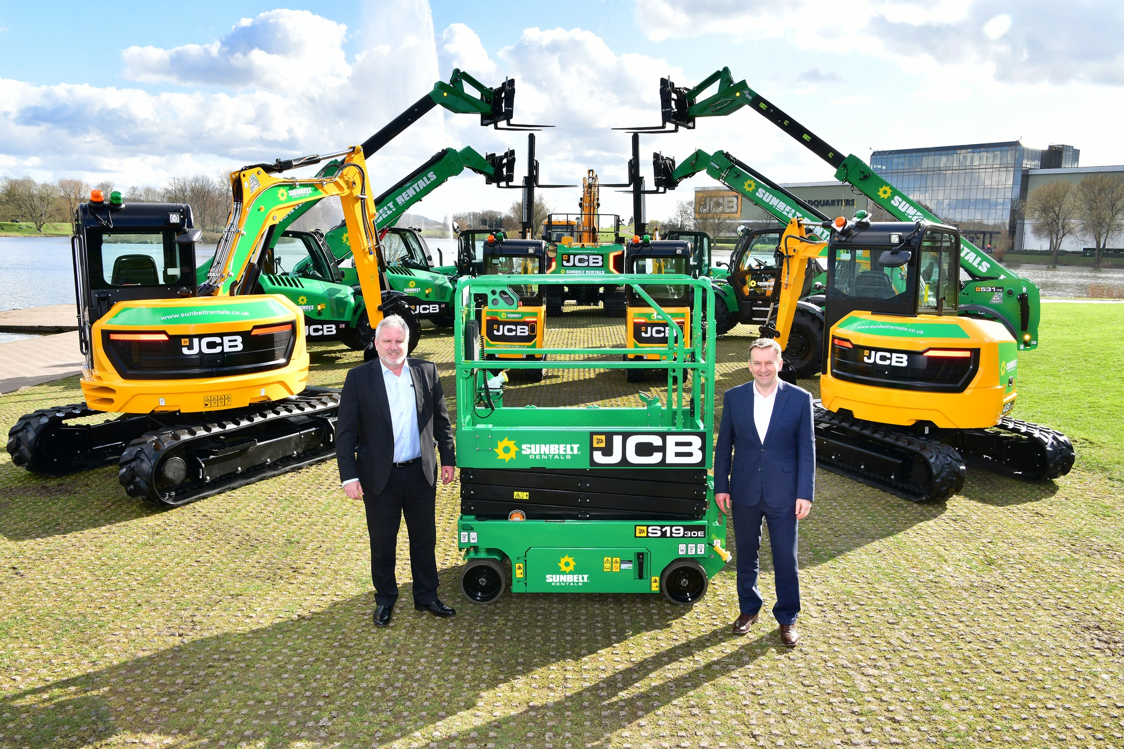 Sunbelt CEO Andy Wright pictured left with JCB CEO Graeme Macdonald