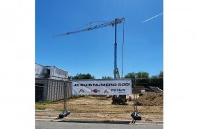 The 500th Potain self-erecting crane to be sold by BLE, a Hup 40-30, went to AS Bau.