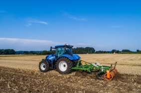 The AMAZONE C-Mix duckfoot share can be fitted to all Cenio and Cenius cultivators.