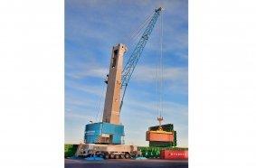 Konecranes Gottwald Model 6 Mobile Harbor Crane in container handling operation
