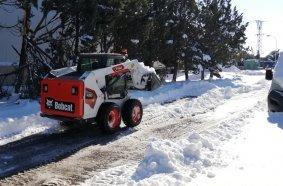 Bobcat Machines Remove Surprise Snow in Madrid