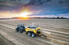 The New Holland BigBaler High Density features award-winning Loop Master knotting technology