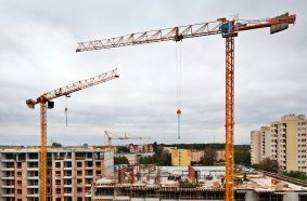 Three Potain cranes keep Warsaw apartment block project on schedule