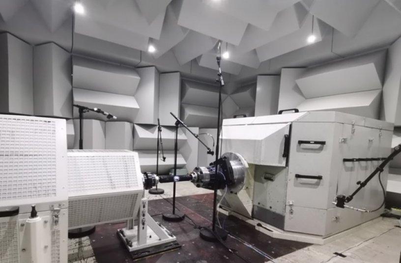Beim NVH Test (Noise, Vibration, Harshness) wurde der Zwei Motoren Antrieb detailliert auf hör- oder wahrnehmbare Vibrationen untersucht. <br> Bildquelle: ZF Friedrichshafen AG