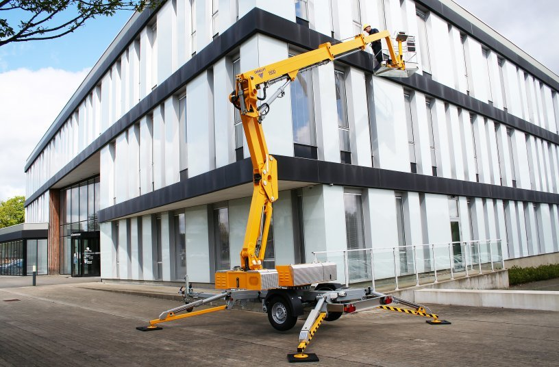 1500 EX Trailer Mouted Lift <br>Image Source: OMMELIFT A/S</br>