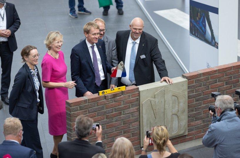 NordBau schafft zusammen mit Ausstellern, der Landesregierung, der Stadt und den Verbänden einen erfolgreichen Wiederstart der Baufachmesse <br> Bildquelle: Holstenhallen Neumünster GmbH