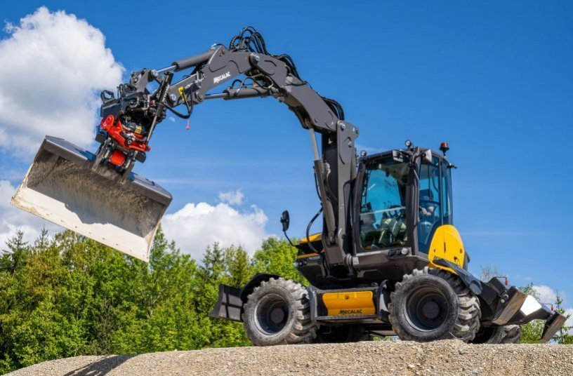 Mecalac Tiltrotators MR: The integrated all-round solution <br>Image source: Mecalac Baumaschinen GmbH