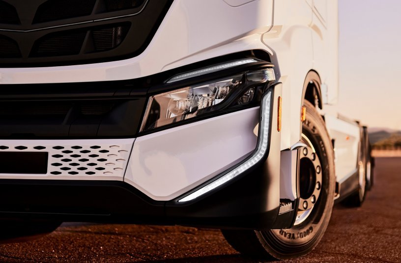 IVECO and Nikola sign MoU with Hamburg Port Authority for Zero-Emission Class 8 Battery-Electric Trucks<br>IMAGE SOURCE: CNH Industrial N.V.