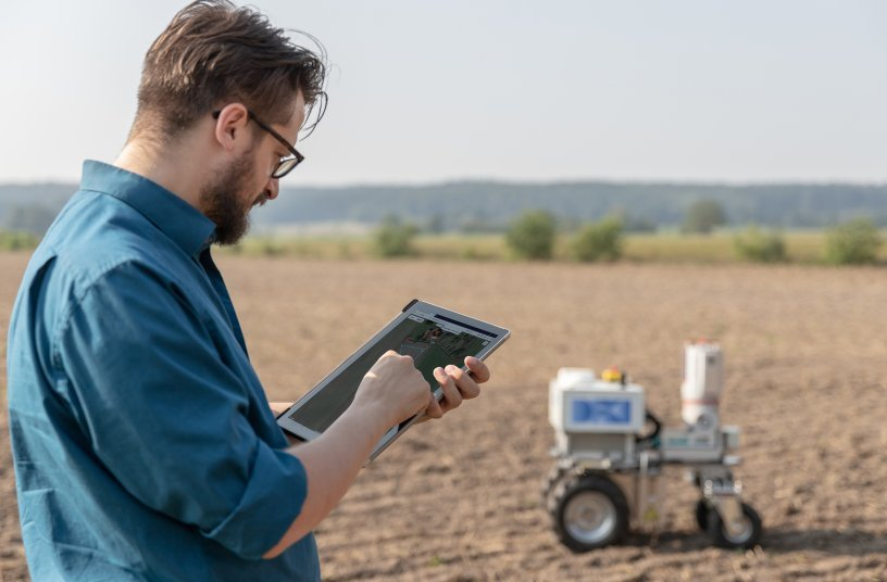 Based on innovative agricultural technology, the Agri-Gaia project explores the use of AI in agriculture. Copyright: DFKI GmbH, Foto: Annemarie Popp