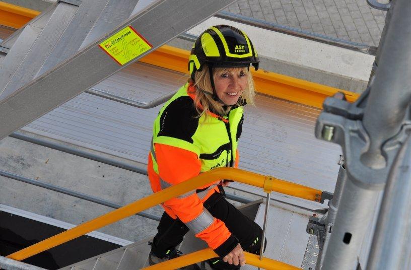 Klar erkennbar. Christine Musati, Sicherheits- und Gesundheitskoordinatorin bei der AST GmbH, entgeht nichts. Fotos: AST GmbH