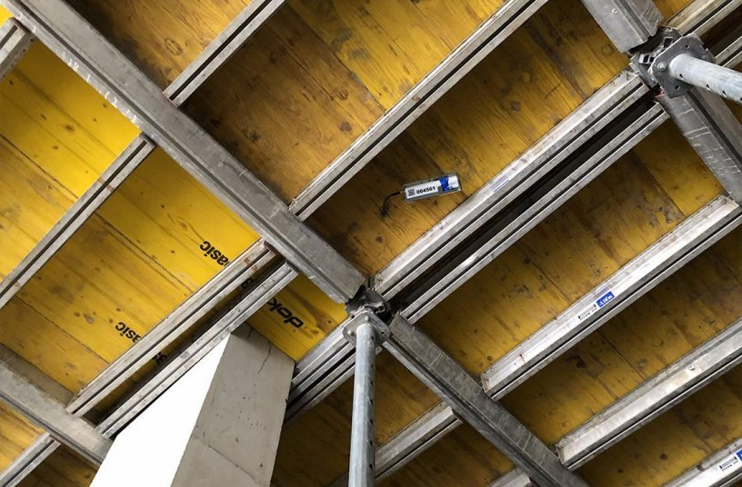 A total of 50 CONTAKT sensors was deployed in the wall and ceiling slab elements of this office building construction for Tyrolean construction company Fröschl.   Photos: Bürogebäude Firma Fröschl