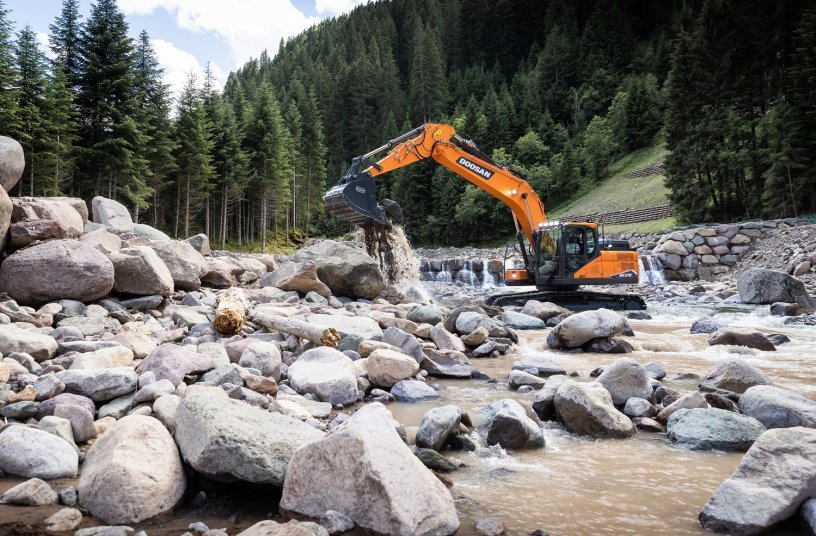 Doosan Launches New 20 tonne Stage V Crawler Excavators