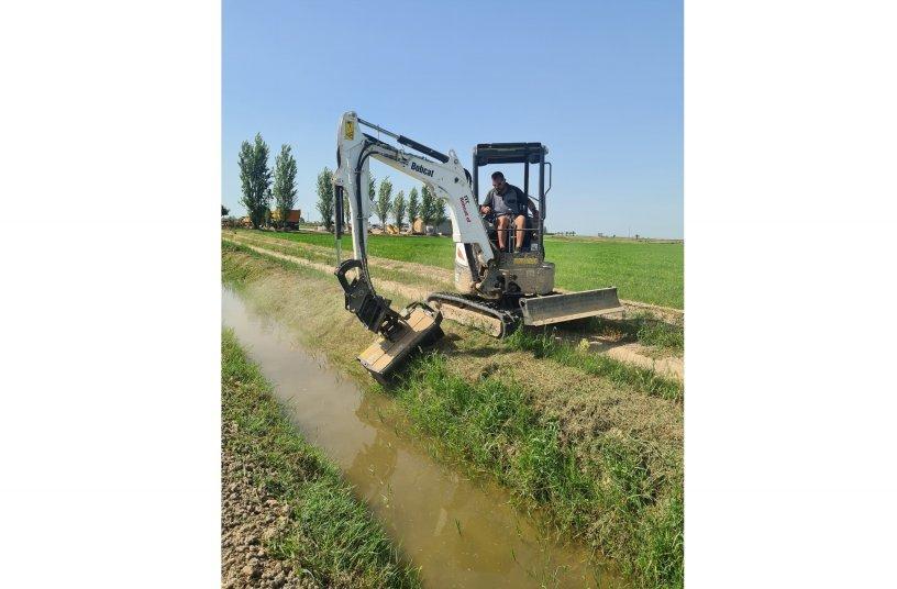 Bobcat E26 Provides Efficient Maintenance of Spanish Rice Fields <br> Image source: Bobcat
