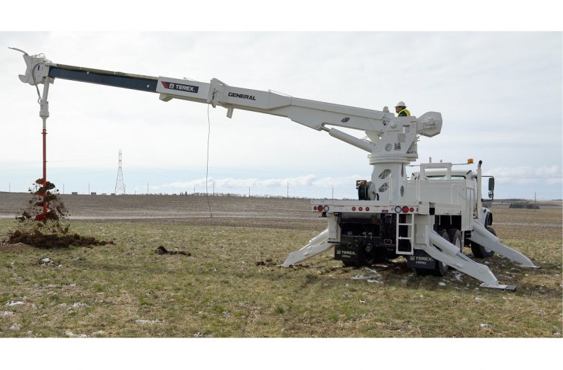 Terex Utilities introduces Strongest Digger Derrick in the Transmission Market <br>Image Source: Mighty Mo Media Partners LLC; Terex Utilities</br>
