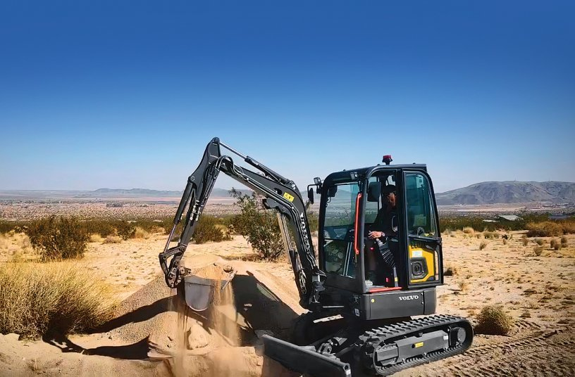 Green construction equipment makes its mark in the desert<br>SOURCE: Volvo Construction Equipment