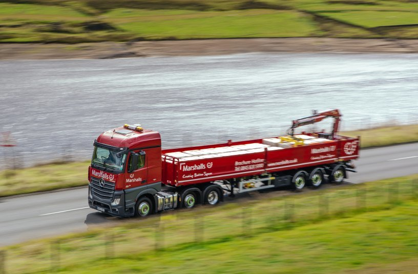HIAB XS 099 HiPro on road