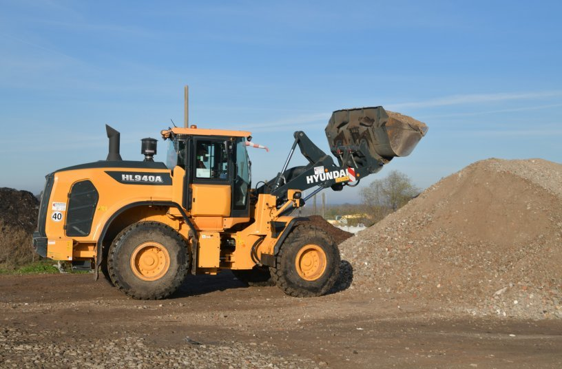 The Hyundai Model HL965 and HL940A wheel loaders at USUM Recycling in Steigra, Germany sorting and loading recyclable materials.