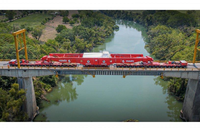 Crossing the reinforced bridge of Platon Sanchez without trucks <br> Image source: GOLDHOFER