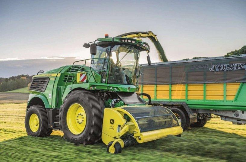 John Deere Series self-propelled forage harvester <br>Image source: John Deere Walldorf GmbH & Co. KG
