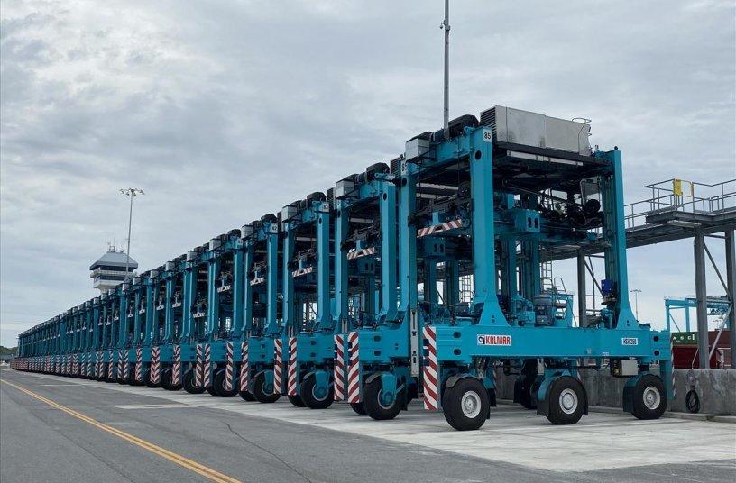 Kalmar Shuttle Carriers<br>IMAGE SOURCE: Cargotec Corporation; Kalmar