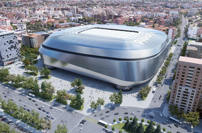 After it has been completed, the Bernabéu will be an ultramodern stadium with a hydraulically adjustable roof structure, lowering hybrid turf and new shopping, business and leisure facilities.