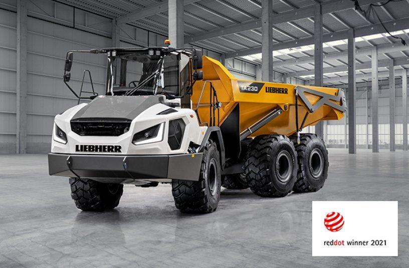Ausgezeichnet mit dem Red Dot Award 2021 für hohe Designqualität – Der neue knickgelenkte Muldenkipper TA 230 Litronic von Liebherr.<br>Bildquelle: Liebherr-International Deutschland GmbH