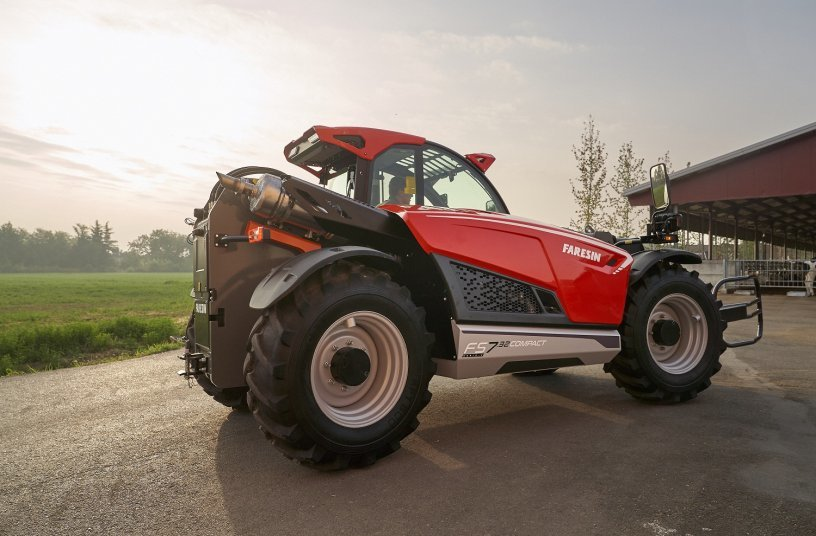 FS 7.32 Compact, the first model of the Next Generation of Faresin telehandlers<br>IMAGE SOURCE: Faresin Industries S.p.A.