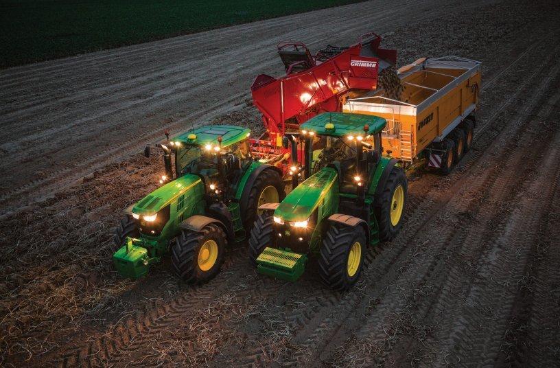 Traktoren und Häcksler übernehmen das Kommando