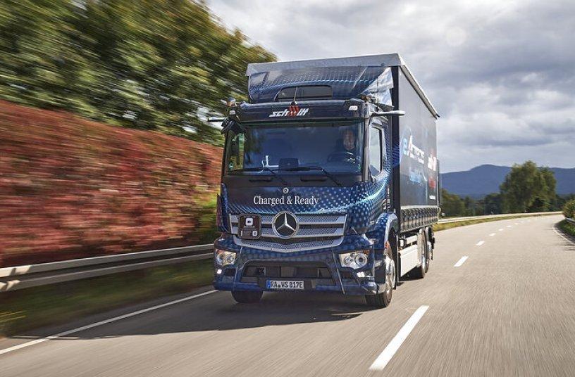 Mercedes-Benz eActros kurz vor Serienstart bei ersten Kunden in Deutschland und den Niederlanden im Realbetrieb <br> Bildquelle: Daimler Truck AG
