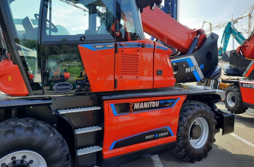 The new 100% electric MRT 2260 model on display at Matexpo! <br> Image source: Manitou
