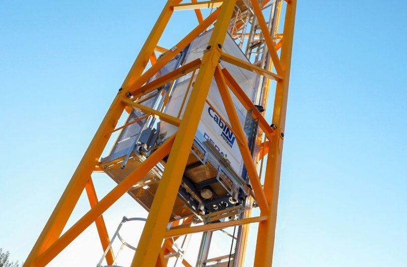 New Cab-IN internal mast elevator <br>Image source: The Manitowoc Company, Inc.