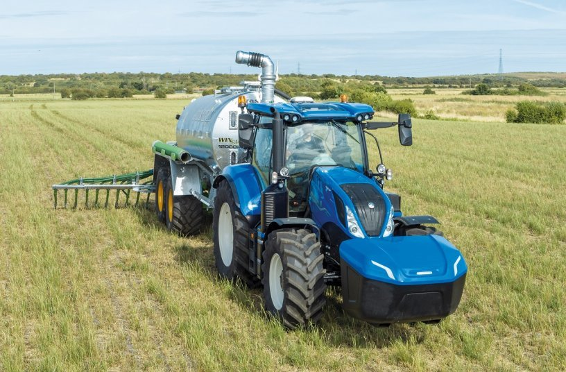 The New Holland Agriculture T6 Methane Power Tractor wins 'Sustainable Tractor of the Year' at EIMA