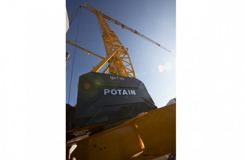 Potain self-erecting crane Igo T 99 <br>Image source: THE MANITOWOC COMPANY, INC.
