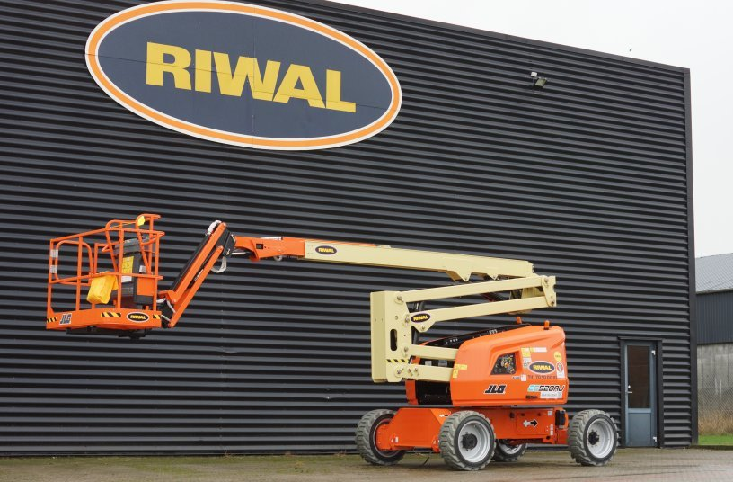 Riwal extends green rental fleet with JLG