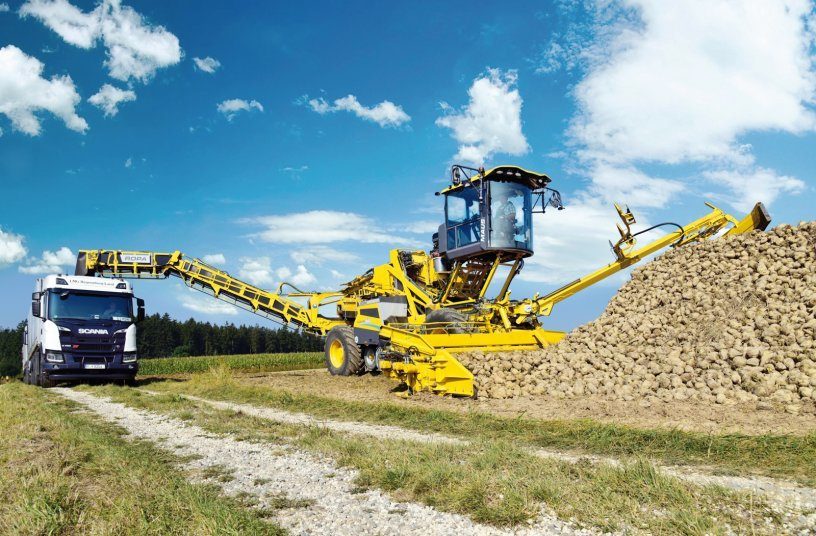 The market leader ROPA presents the new Maus 6 loader with a significantly larger cabin and a premium-class networked workplace