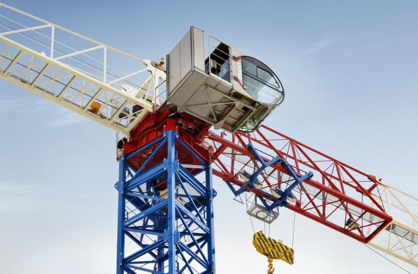 Raimondi crane in action <br>Image source: Raimondi Cranes