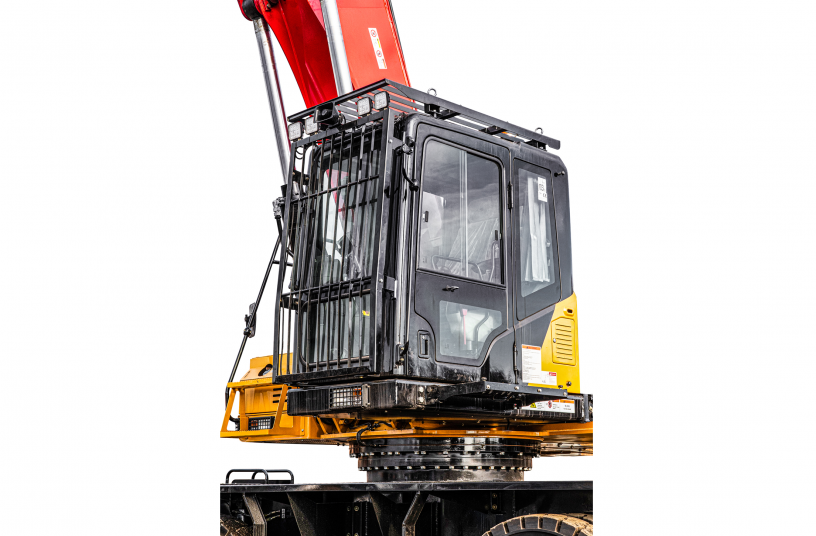 The comfortable driver's cab can be extended hydraulically up to 6.12 m (operator's eye level), facilitating an optimal view of the working environment at all times. <br> Image source: SANY Europe GmbH