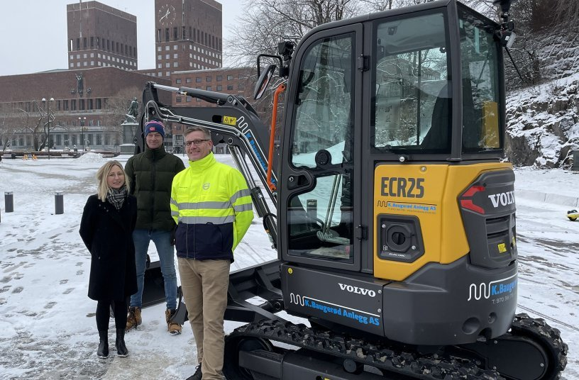 First customers to order Volvo electric compact machines at Bauma 2019 take delivery