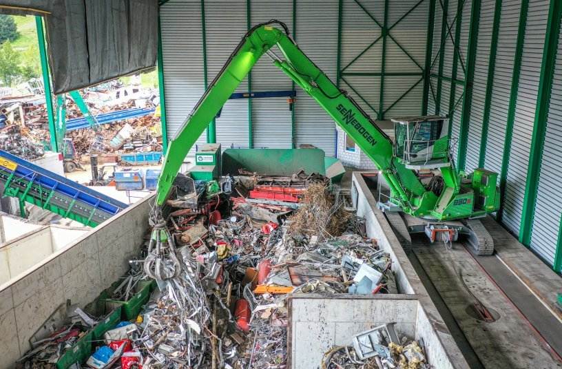 Swiss recycling company Reinhard Recycling AG expands fleet with three more SENNEBOGEN machines