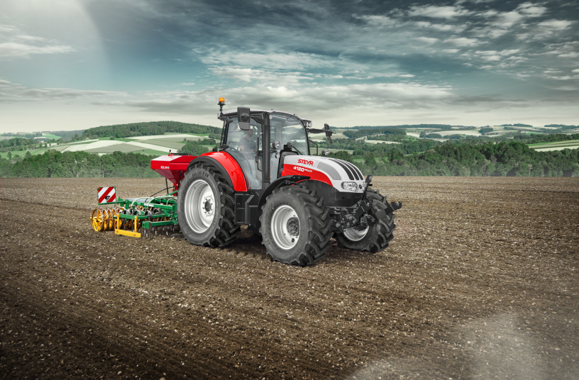 Steyr® enhances utility tractor offering with new multi and kompakt ranges