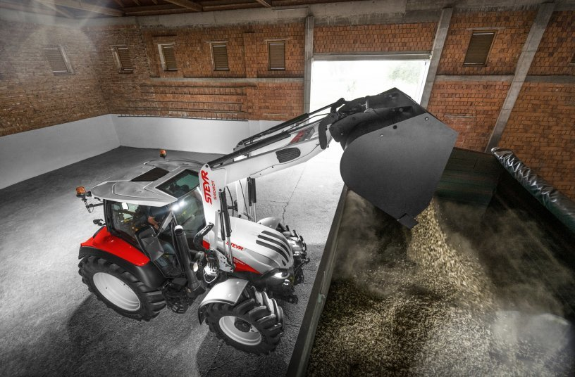 STEYR New Front Loader S4020T and 4120 Expert CVT Woodchips <br> Image source: CNH Industrial N.V. Corporate Office; STEYR