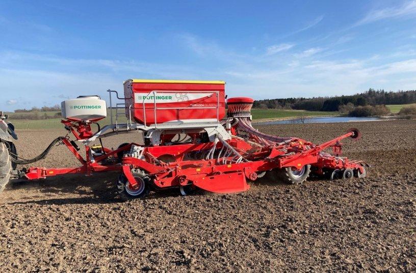 Resource-saving sowing, TERRASEM C6 FERTILIZER with TEGOSEM 500 (Image source: Pöttinger Landtechnik)