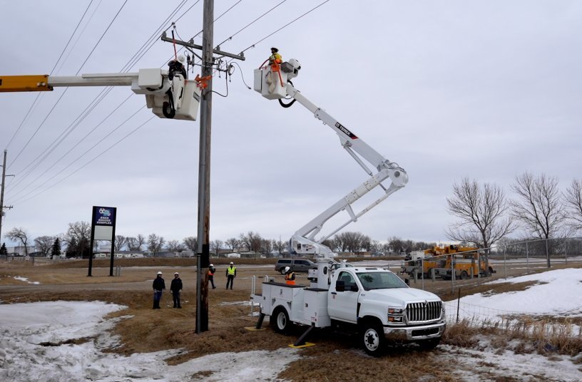 TL48 in Field <br>Image source: Mighty Mo Media Partners LLC; Terex Utilities
