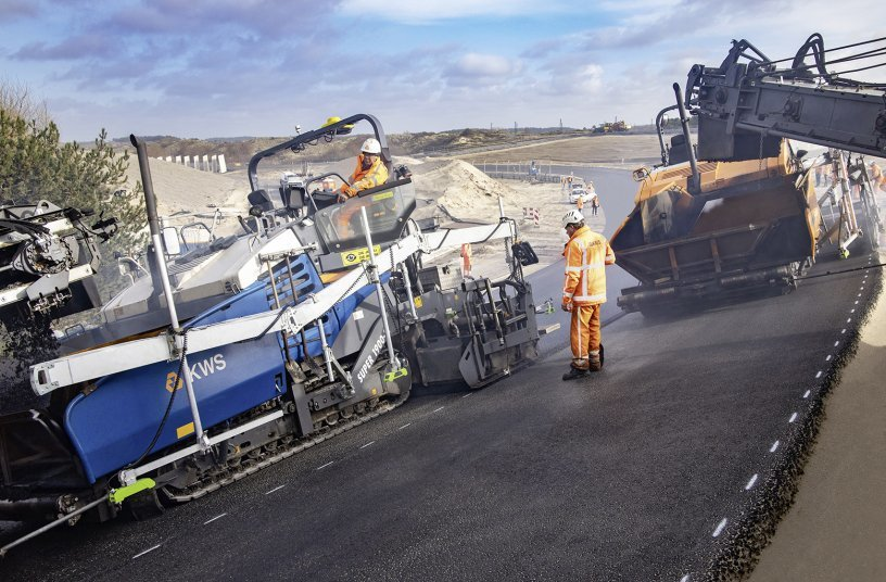 Tolerance just ± 2mm: The three pavers had to deliver precision work on the sloping bends, too, and were equipped with the Big MultiPlex Ski from Vögele for the purpose.<br>IMAGE SOURCE: WIRTGEN GROUP