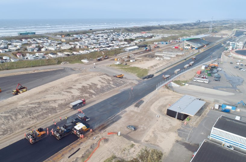 Legendary race track on the North Sea coast: Ahead of the Dutch Grand Prix, Circuit Zandvoort has been modernised and had two steeply banked turns added. <br> Bildquelle: Kiesel GmbH