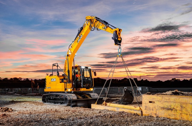 JCB 140X, 150X and 220X take the lead with stage v engine upgrade