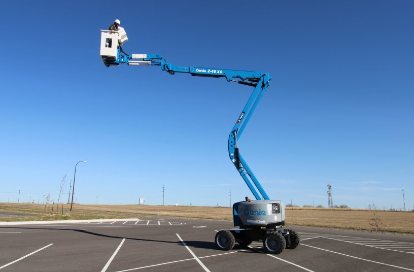 The Z-45 SUB is a purpose built mobile elevated work platform (MEWP). It is designed for substation work and other applications where an insulated device is needed but use of traditional bucket trucks is prohibitive due to size and maneuverability.