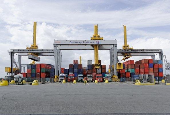DPW Antwerp Gateway Konecranes Gottwald ARMGs